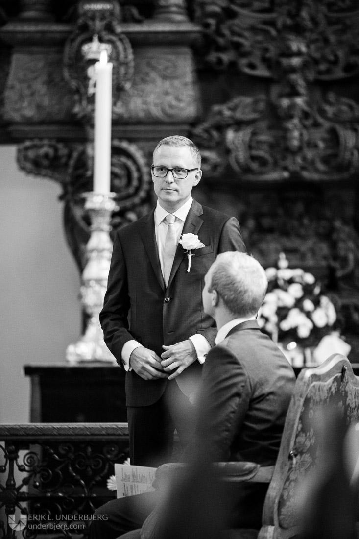 Anders venter på bruden